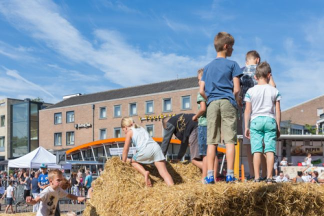Children play at an agricultural fair in Emmeloord. Photo: Depositphotos