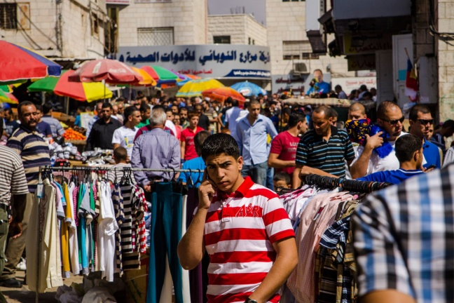 People in a market in the West Bank city of Ramallah. Photo: World Bank/Arne Hoel