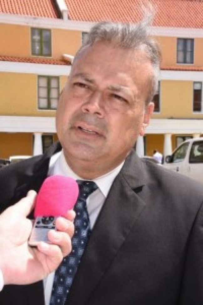 Minister of Government Services, Norberto Ribeiro (Photo Extra)