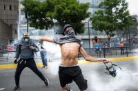 Protesters in La Castellana, a neighborhood in eastern Caracas, Venezuela. Photo: Helena Carpio/IRIN