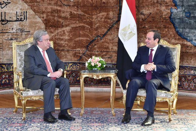 Secretary-General António Guterres (left) meets with President Abdel Fattah el-Sisi of Egypt in Cairo. Photo: Office of the Presidency of Egypt