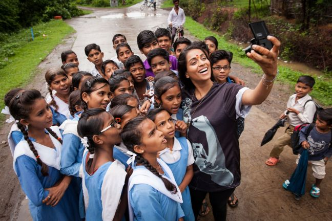 On 14 July 2017, Lilly Singh met with a children's group, Bal Commando, supporting the sanitation movementa in a village close to the city of Harda in Madhya Pradesh State, India. UNICEF supported the rural parts of the district to become open defecation free. Photo/UNICEF/UN071747/Brown