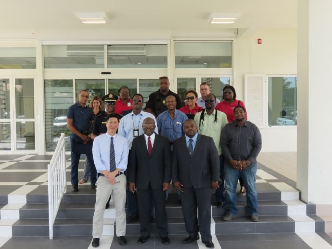 Prime Minister William Marlin, Minister of vSA, Emil Lee, Minister of VROMI Christophe Emmanuel, Inspectors from the Inspectorate of VSA, Tax inspectors,  Immigration officers, and representatives of SZV.