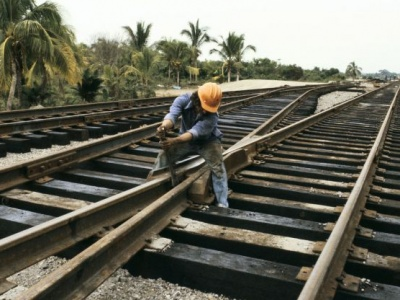 Latin America and Caribbean at difficult juncture as foreign direct investment shrinks – UN