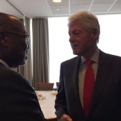 Minister Boasman meets US President Clinton at Pledging Conference