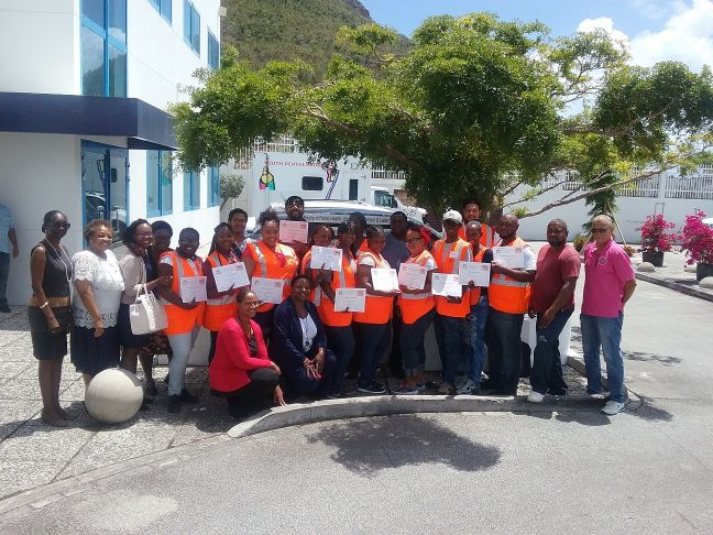 15-member strong team of vector control apprentices along with other Ministry VSA staff.
