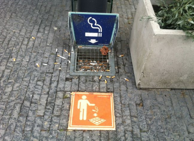 Anti-smoking group calls for ban in all public buildings, including parliament