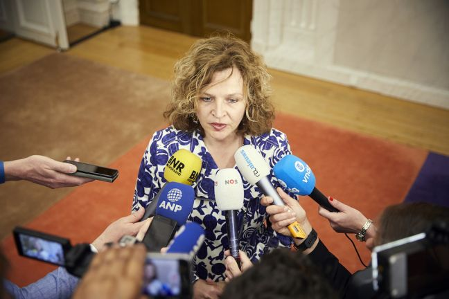 Edith Schippers talks to reporters on Friday. Photo Phil Nijhuis via HH