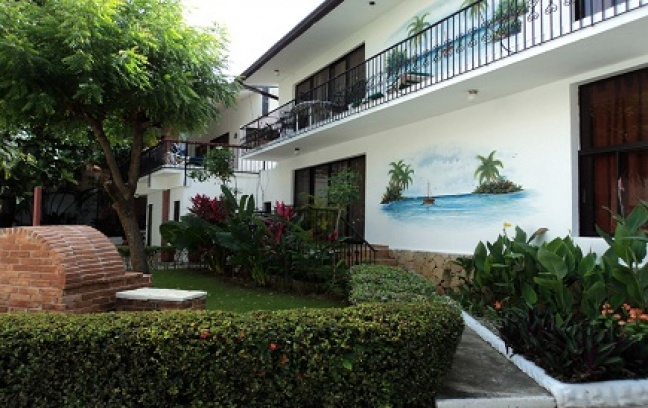 The hotel La Perla in Sosua, Puerto Plata that Lewis sold for half a million dollars according to reports.
