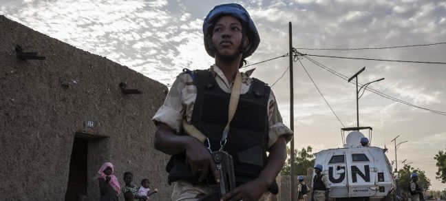MINUSMA/Marco Dormino A peacekeeping officer during a patrol in the streets of Gao, Mali, performed daily by United Nations Police (UNPOL) Officers from MINUSMA and Malian National Guard Officers. 7 November 2018.