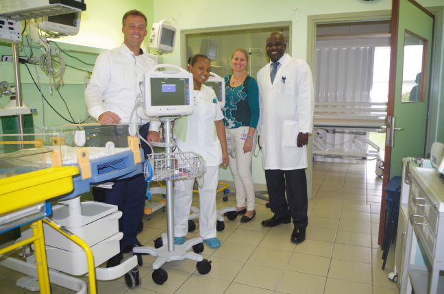 In the photo: Director of AFAS Caribbean Pim Steinmeijer, Assistant Supervisor Pediatric ward Ariene Tearr, Facility Manager Erika van der Horst and Medical Director Dr. Felix Holiday.