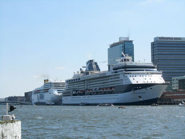Cruise ships in Amsterdam. Photo: Jvhertum via Wikimedia Commons