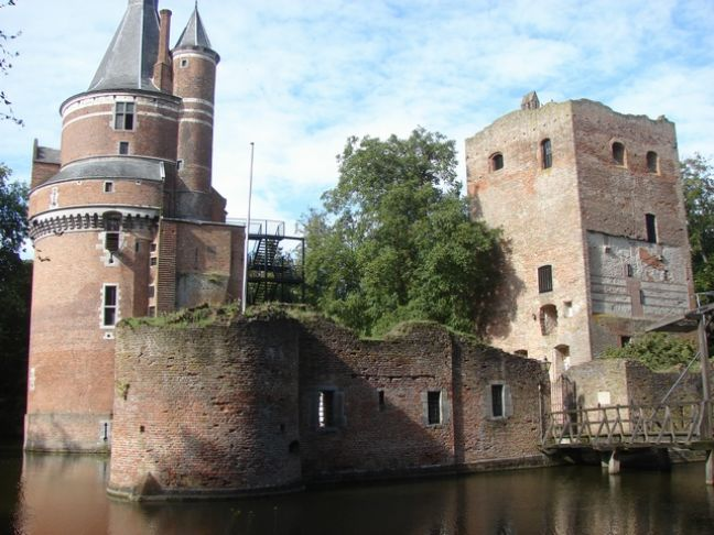 Duurstede castle is a popular wedding location. Photo: Arch via Wikimedia Commons