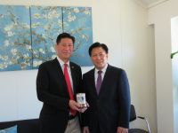 L to R: Minister Emil Lee and Chinese Consul-General, Mr. Zhang Weixin.