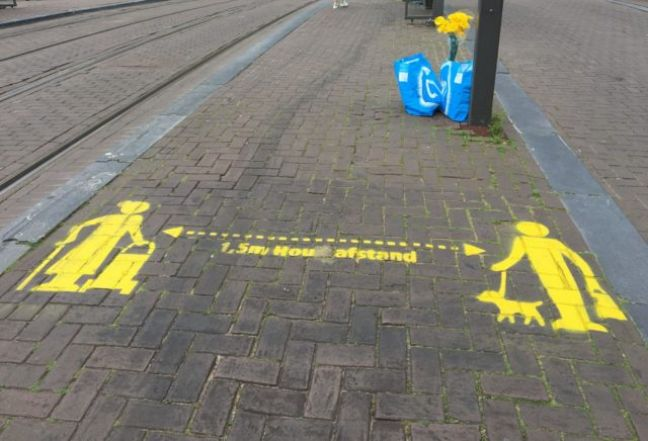 Social distancing sign in Amsterdam. Credit: DutchNews