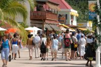 A bustling Philipsburg promenade with stay-over tourists and cruise passengers enjoying duty-free shopping among many other amenities. (File Photo)