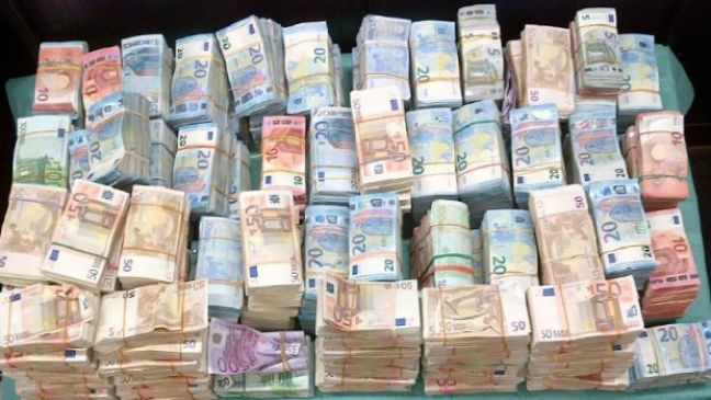 Criminal cash seized by the police. Photo: Politie.nl