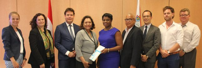 Sint Maarten and World Bank signing ceremony. (Photo's contributed)