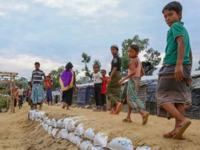 UN migration agency builds temporary safe havens to shelter Rohingya refugees in Bangladesh