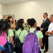 Minister Geerlings encourages students to stay in school
