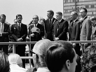 First men on the moon 'came in peace' to UN Headquarters 'for all mankind'